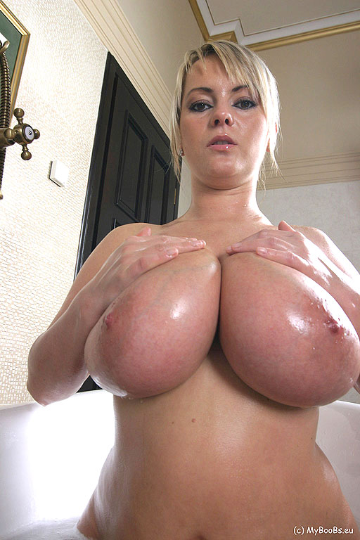 Big natural boobs show snapchat susanporn94946 8